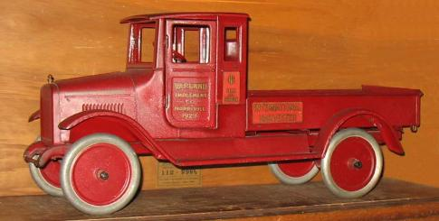 buddy l red baby with doors rare, vintage buddy l express trucks, antique german tin toys, facebook antique buddy l toys appraisals, Buddy L Truck Museum, antique toy appraisals trucks, www.buddylmuseum.com, for sale, buddy l for sale, keystone for sale, space toys for sale, buddy l trucks for sale, robots vintage japanese space toys free appraisals